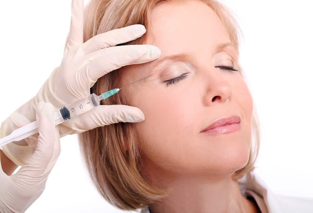 Punture di acido ialuronico al viso